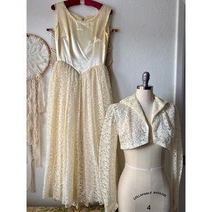 VINTAGE 1980s Cream A-Line Wedding Dress & Capulet